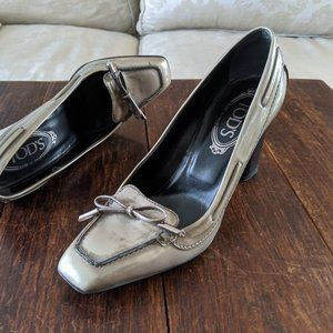 TOD'S Distressed Loafer Pumps